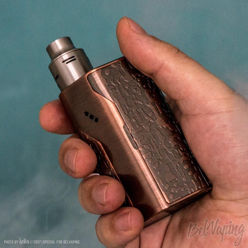 Боксмода Wismec Reuleaux DNA200 Limited Edition в руке