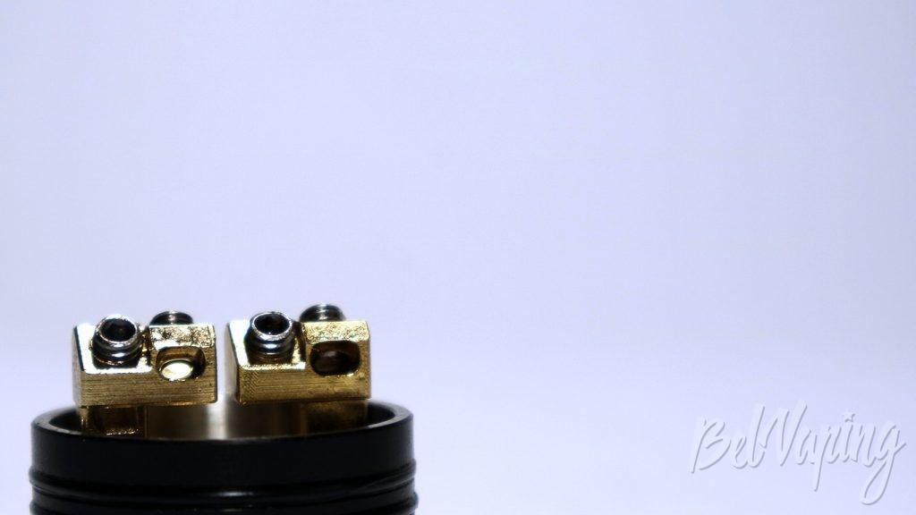 GEEK VAPE RADAR RDA - отверстия под намотку и винты крепления
