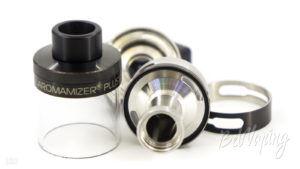 Шахта паропровода и отверстия подачи жидкости на намотку в Aromamizer Plus RDTA