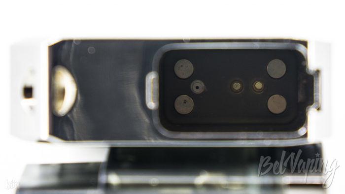 Контакты и магниты в батарейном блоке Battlestar Baby